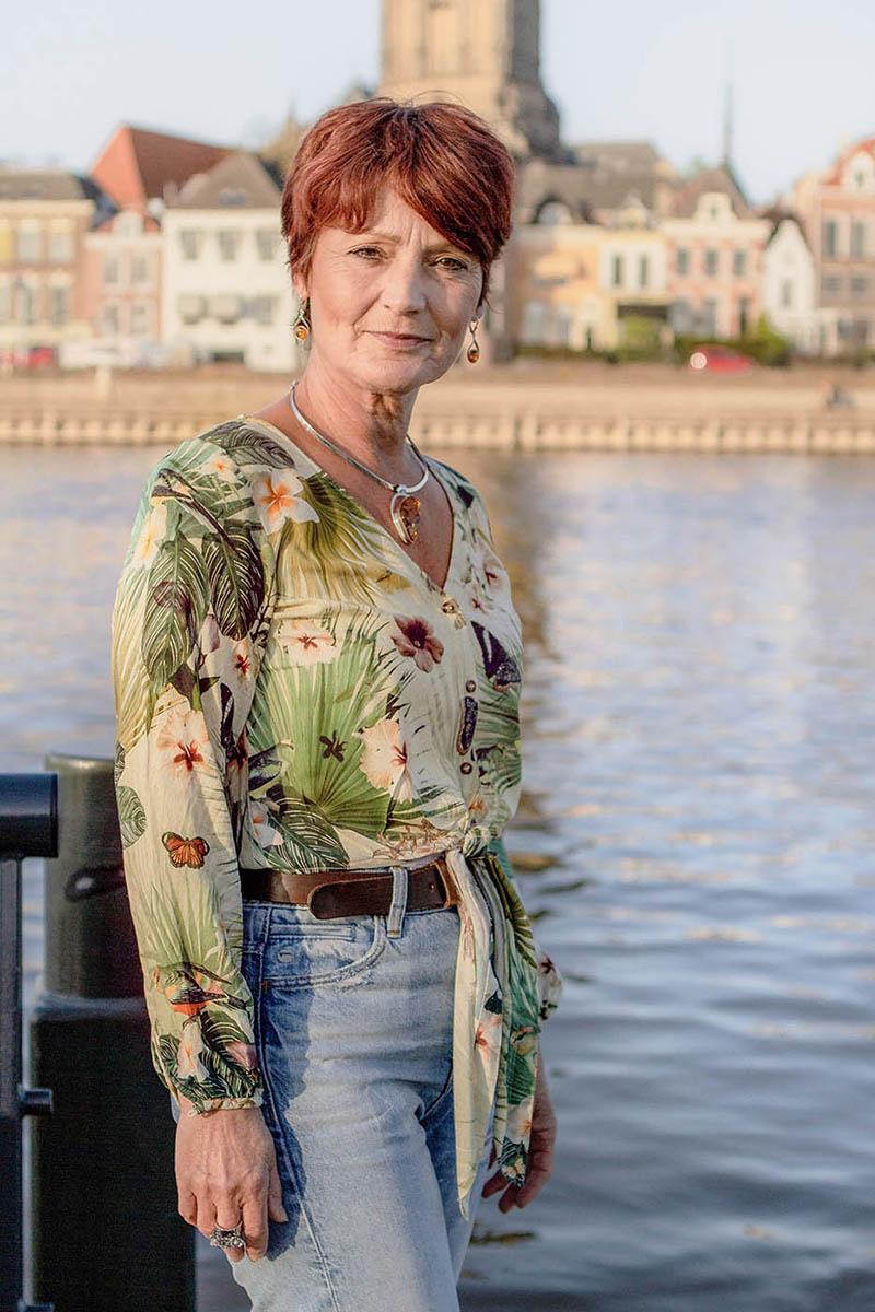 Yvonne Floor, mediator en coach